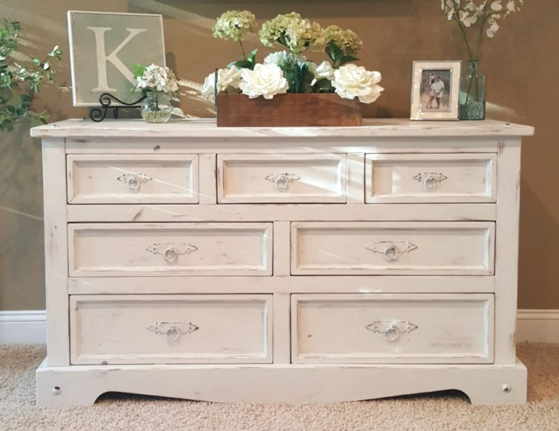 Budget-friendly decorating: chalk-paint-distressed-dresser