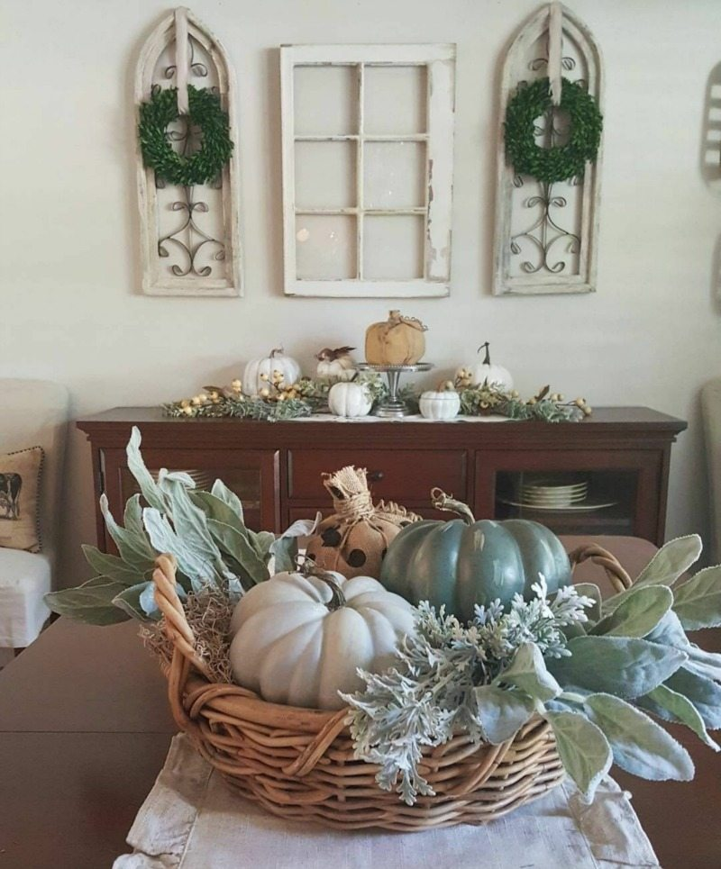 fall dining room with neutrals and greens