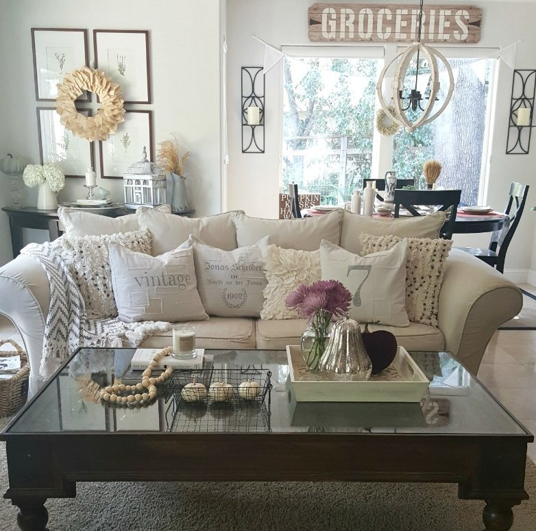 coffee table center focus for fall decor