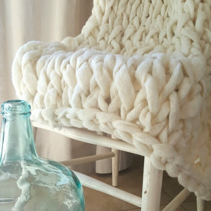 Chunky Knit Throw | Try Arm Knitting