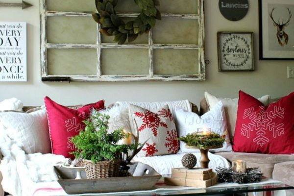 Professional Decorating Tips for stunning coffee table design