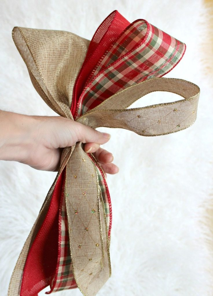 Create gorgeous Christmas Tree Bow Decor with this DIY tutorial