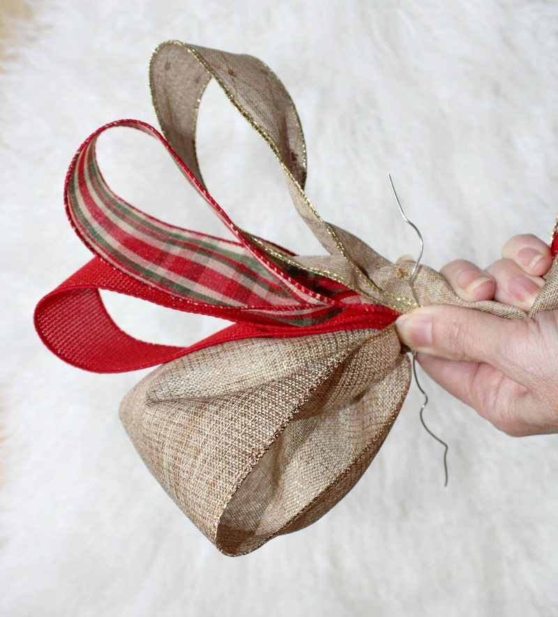 Step by Step Tutorial guides you to create masterful bows for decor
