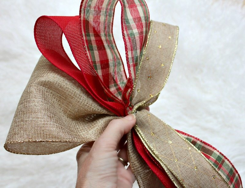 Create gorgeous bows for your Christmas Tree and Decor