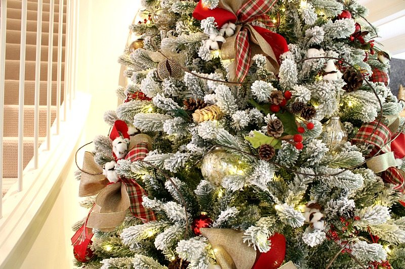 Inexpensive easy DIY bows add the perfect wow factor to your Christmas Tree