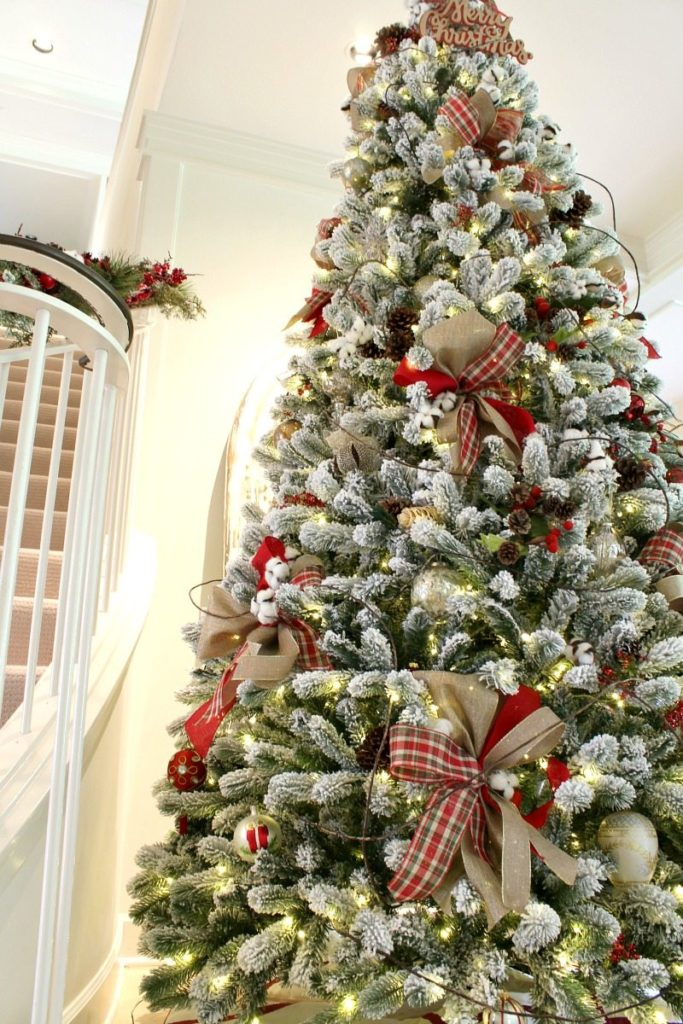 How To Decorate A Christmas Tree Professionally With Ribbon.Easy Christmas Tree Decorating Tips The Design Twins