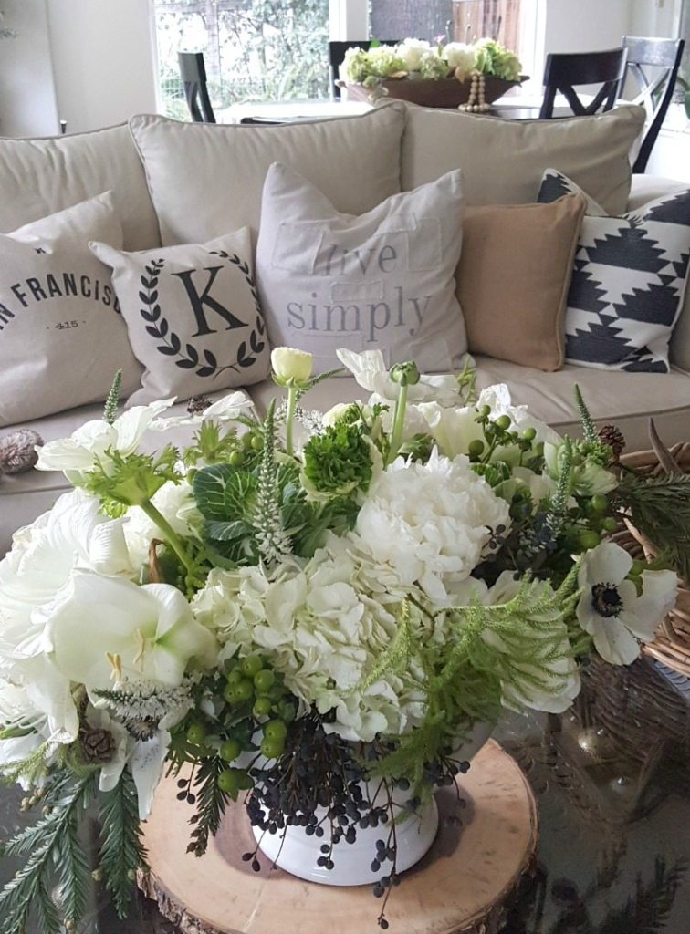 refresh after the holidays with crisp white, contrasting black and fresh green florals