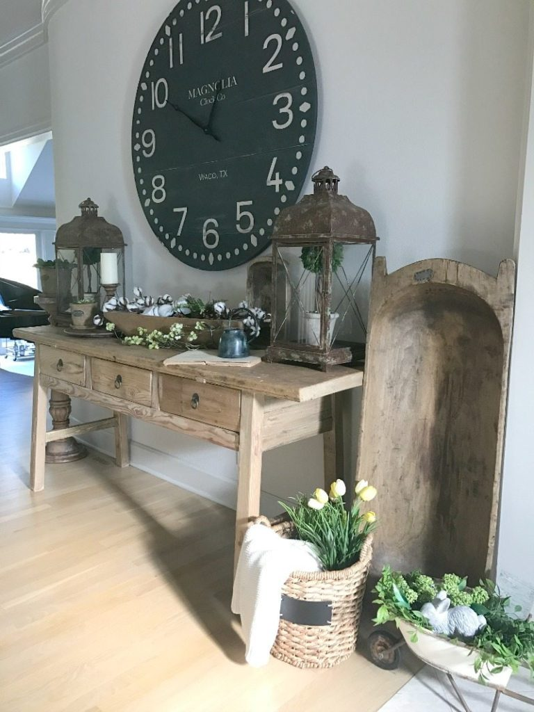 farmhouse decor front entryway