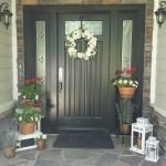 How to Deck Out Your Springtime Entryway