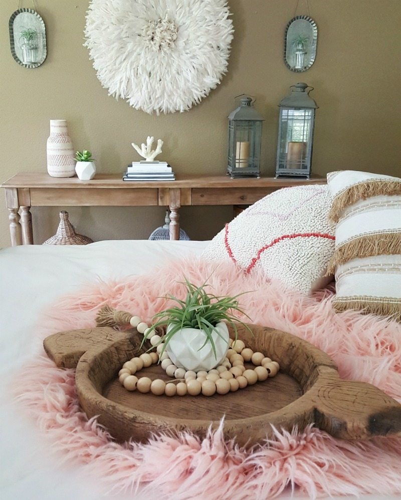 Boho chic mixes colors, textures, and world vibe
