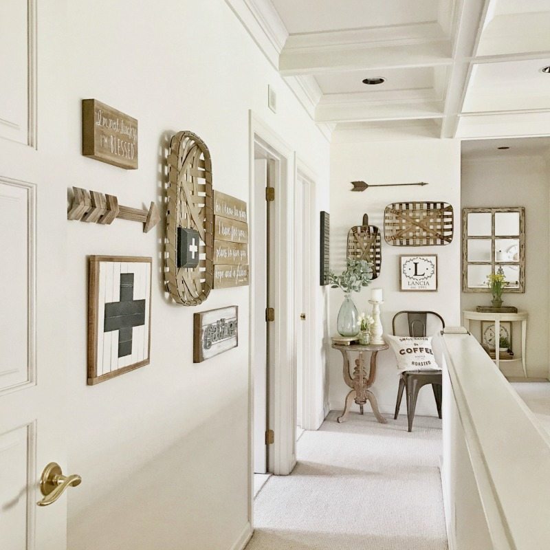 Farmhouse style gallery way
