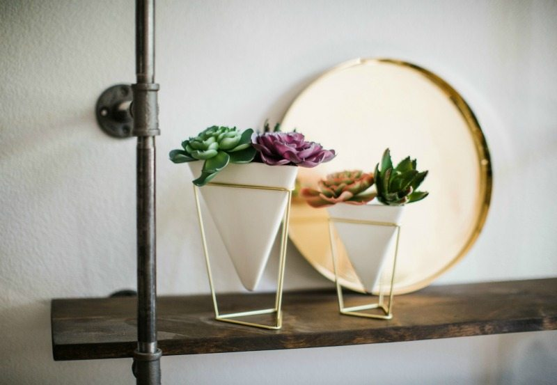 gold is in BACK for summertime decor