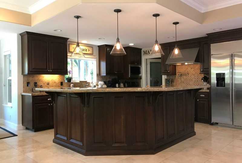 Lighting guide for kitchen pendant lights