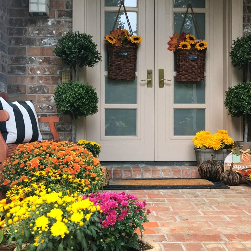 How to Decorate for Fall like a Professional