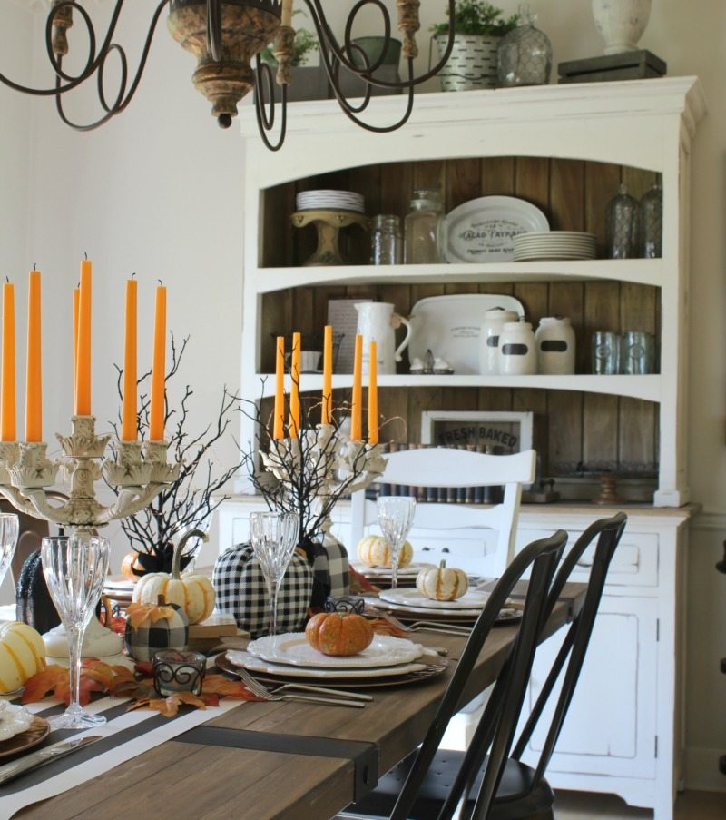 farmhouse dining room dressed for Halloween