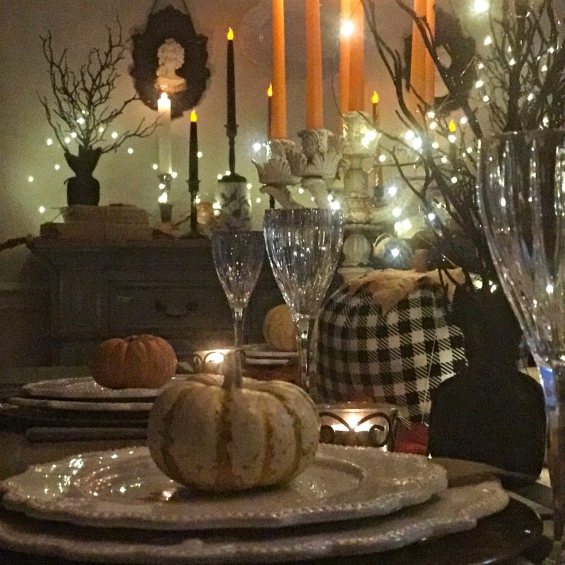 Halloween Tablescape decorations