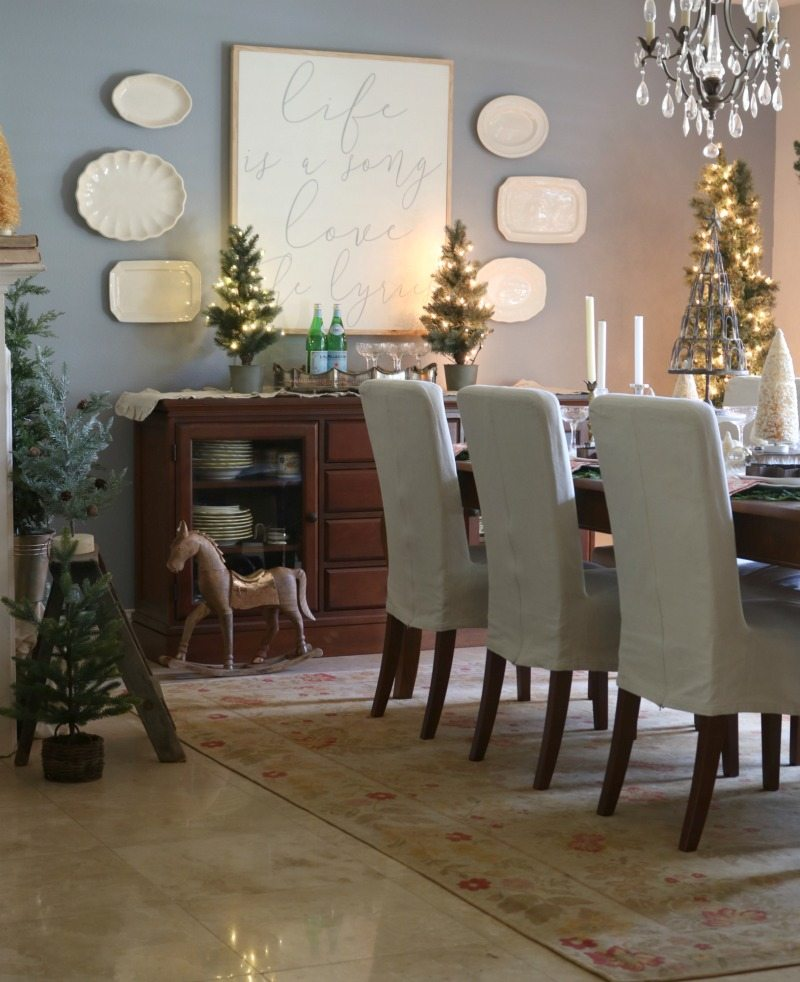 Design Festive Holiday Table with miniature trees