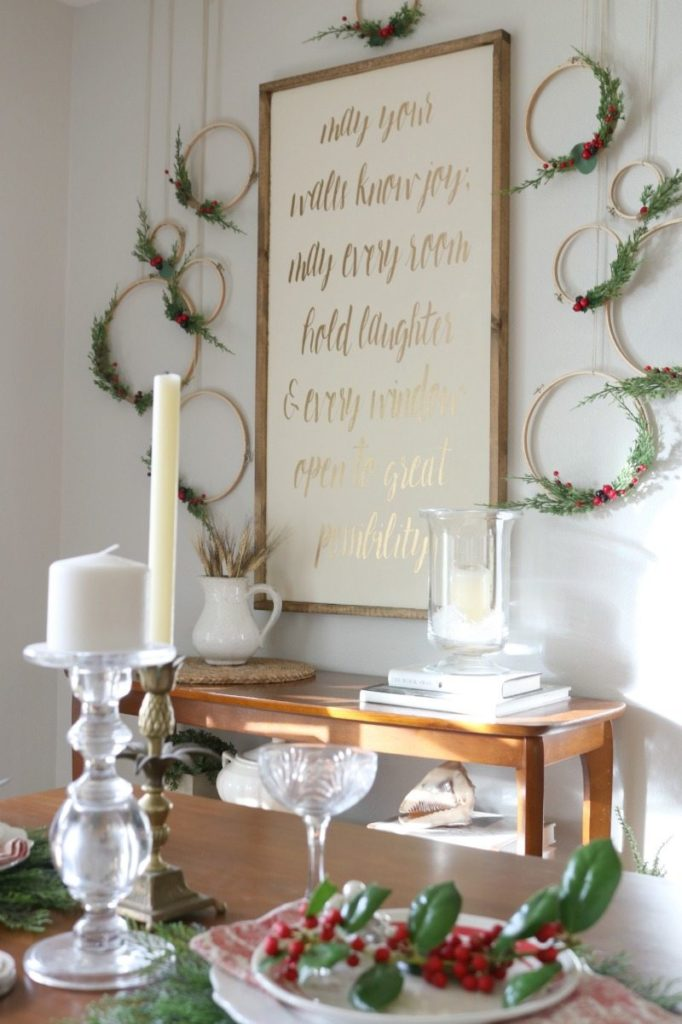 Dining Room Table holiday decor for Christmas entertaining