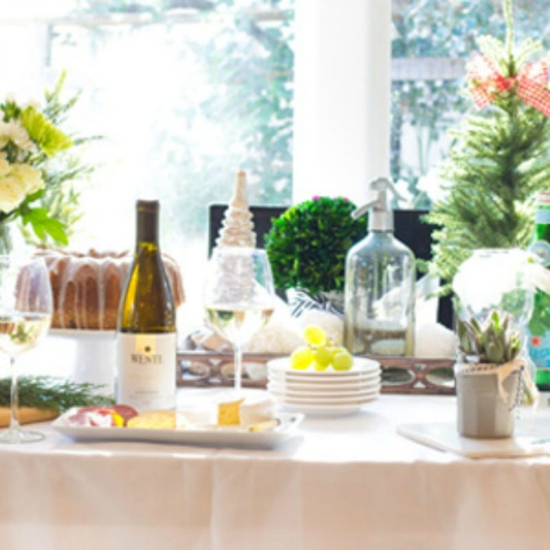 5 Tips To Be a Hostess with the Mostest this Holiday!