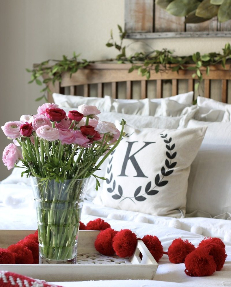 Simple Budget Valentine's Decor