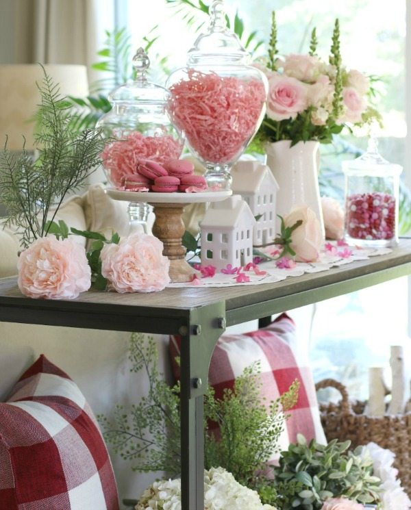 Valentine's Day Decor linky party feature