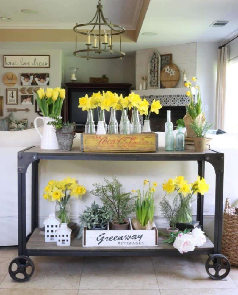 flower bar cart with yellow daffodils