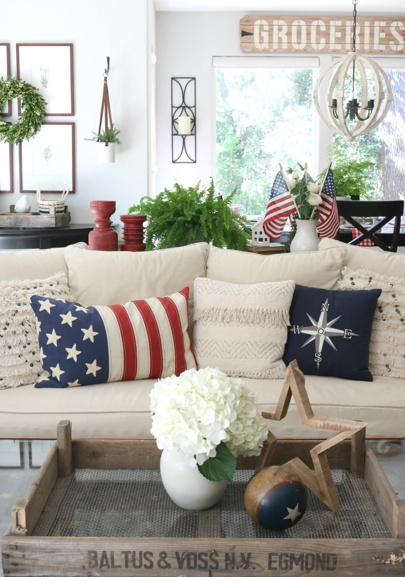 living room patriotic decor