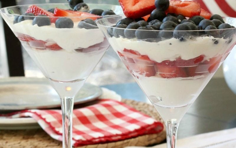 How to Create a Festive Fourth of July Tablescape that Wows