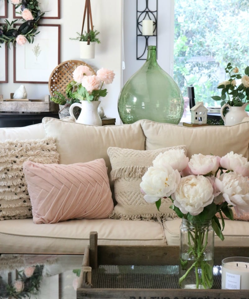 pink decor tips for your living area