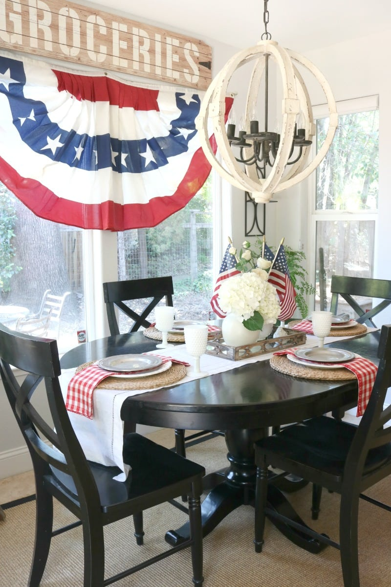 July tablesetting and dining area