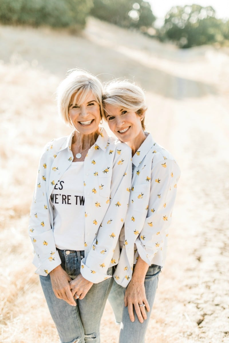 twin sister bloggers