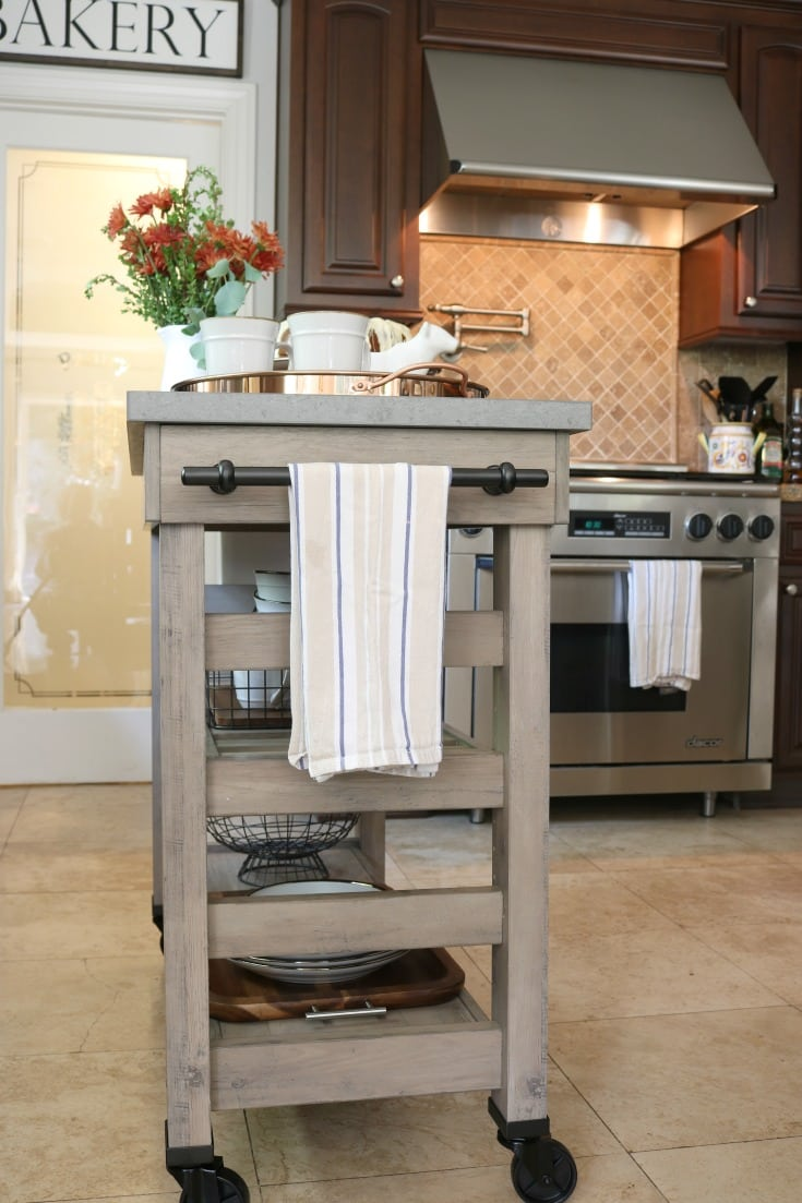 kitchen island farmhouse style