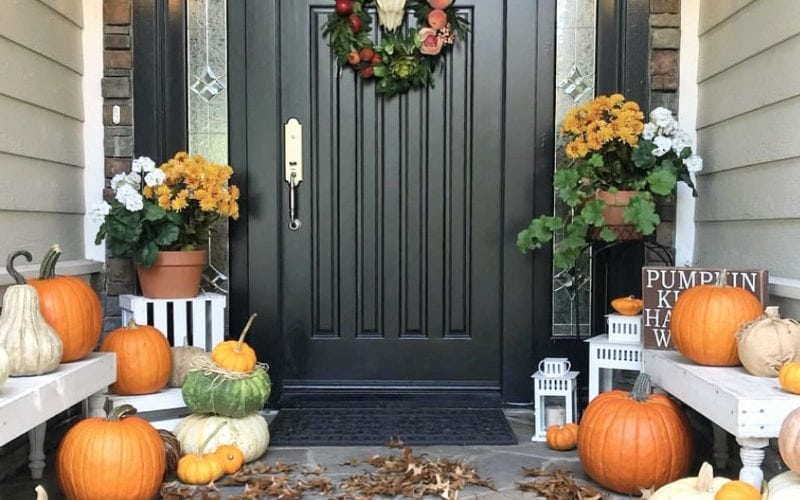 23 Inviting and Inspiring Fall Porches to Love