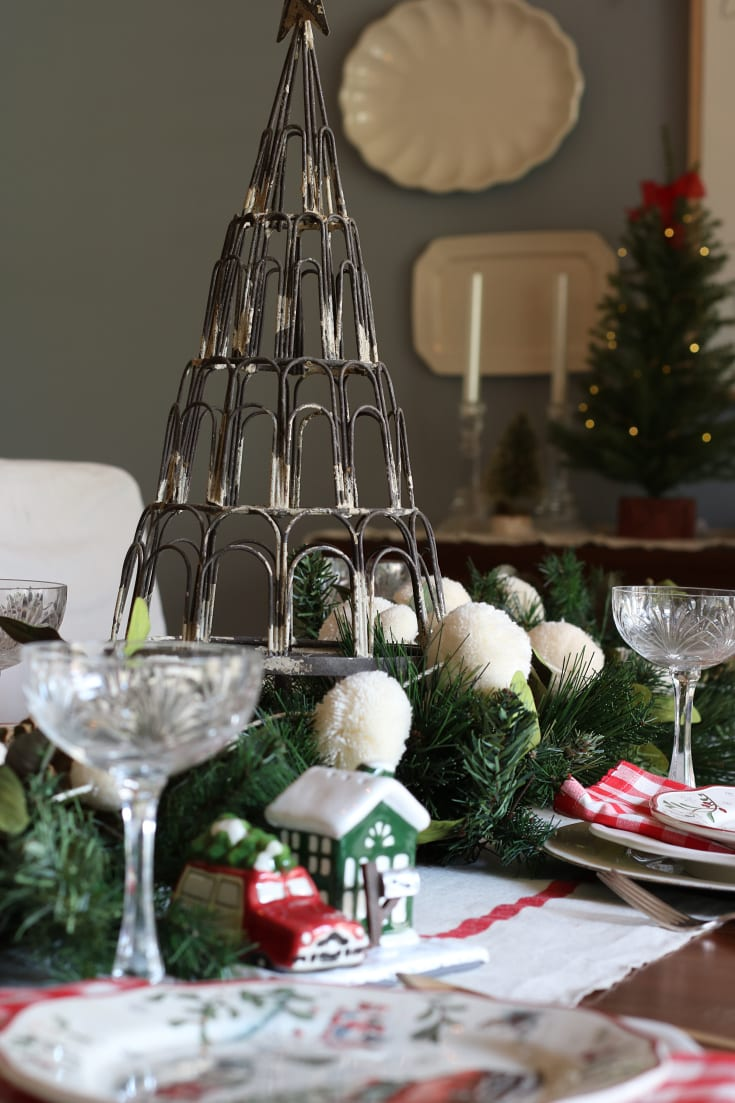 gorgeous festive traditions table for Christmas entertaining