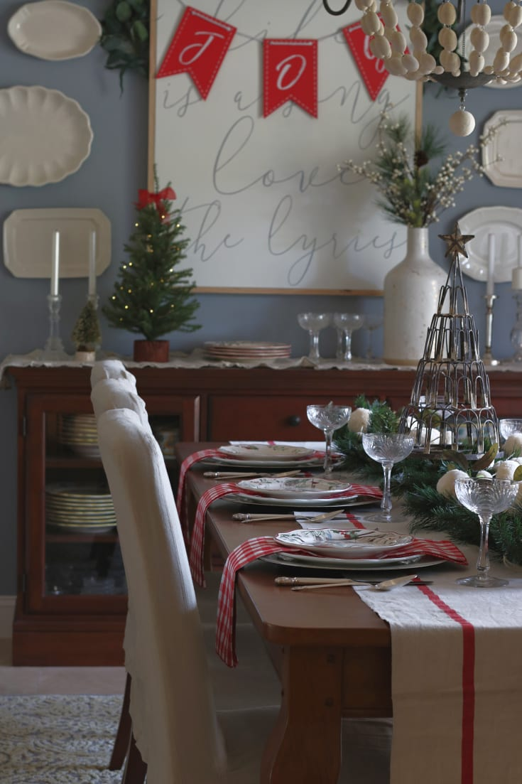 festive entertaining holiday table dining room decorating traditions
