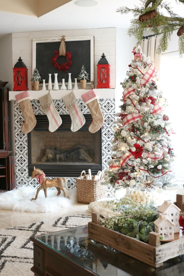 Festive Holiday Family Room Decor