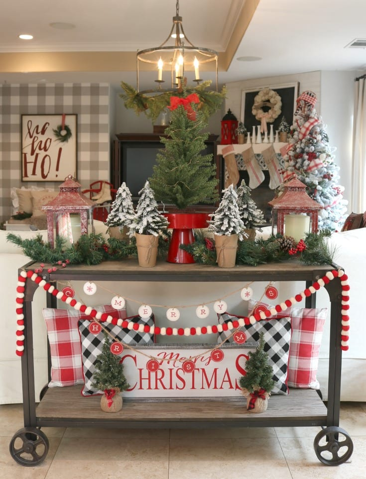 traditional festive farmhouse Christmas decorating