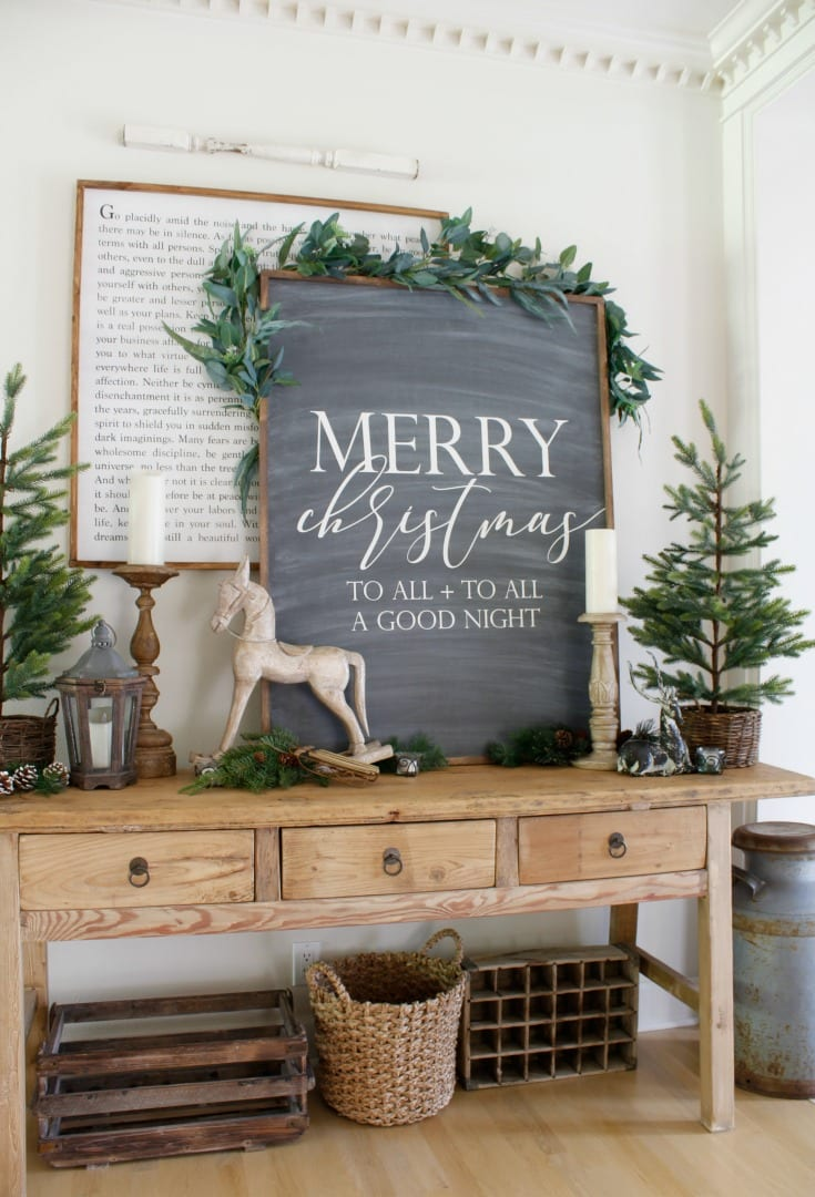 Neutral farmhouse Christmas decorations
