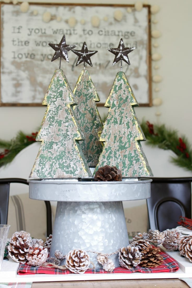 Christmas decorating dining table centerpiece