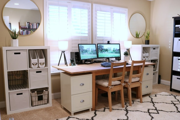 Black and white dream home office organizing