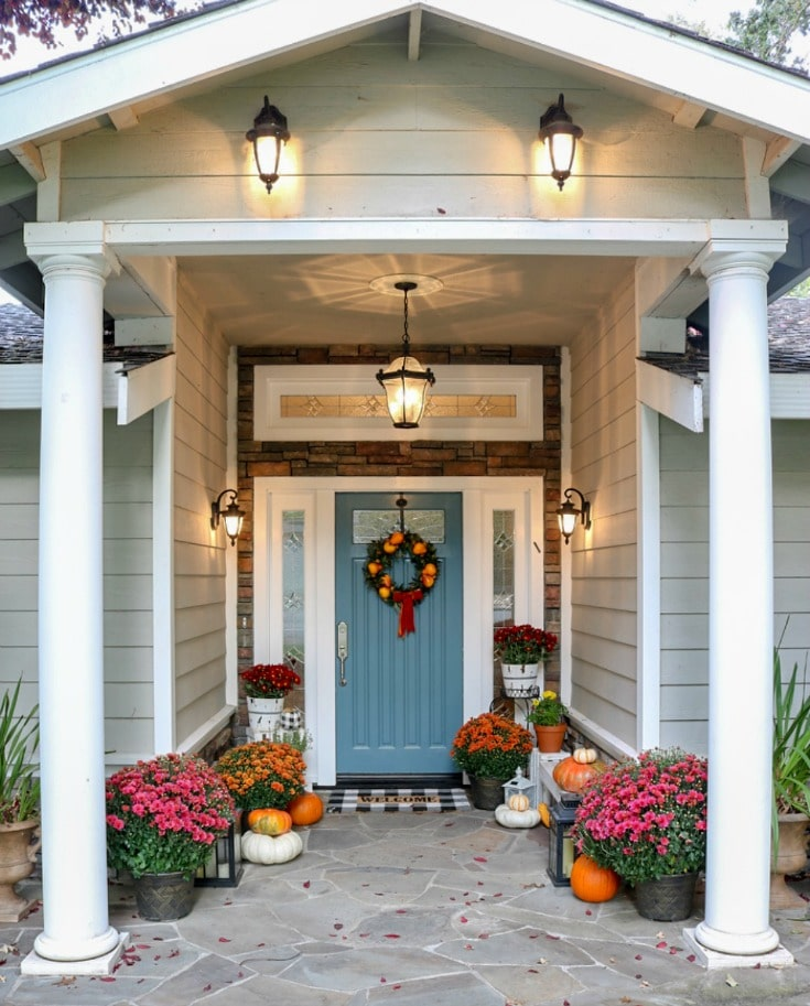 How to choose the best paint color for your front door, what paint to use. All your questions answered!