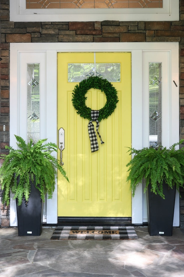 How to pick the perfect fresh color for your front door this season.