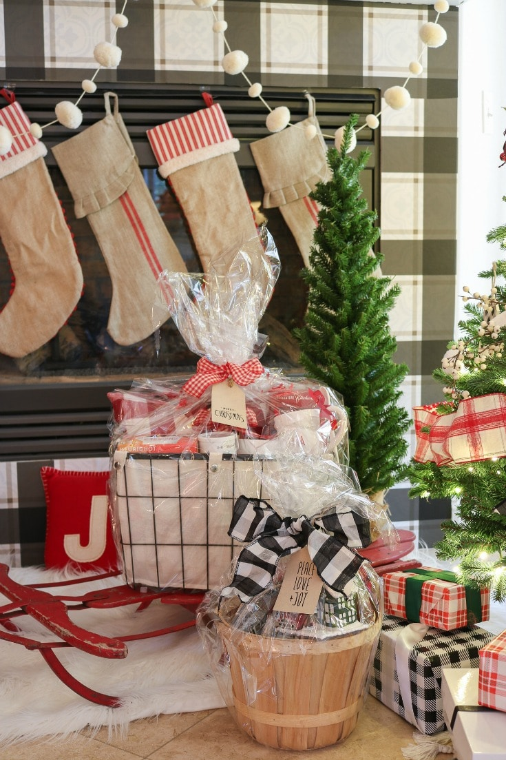 these personalized Christmas gift baskets are great for even the pickiest people on your list