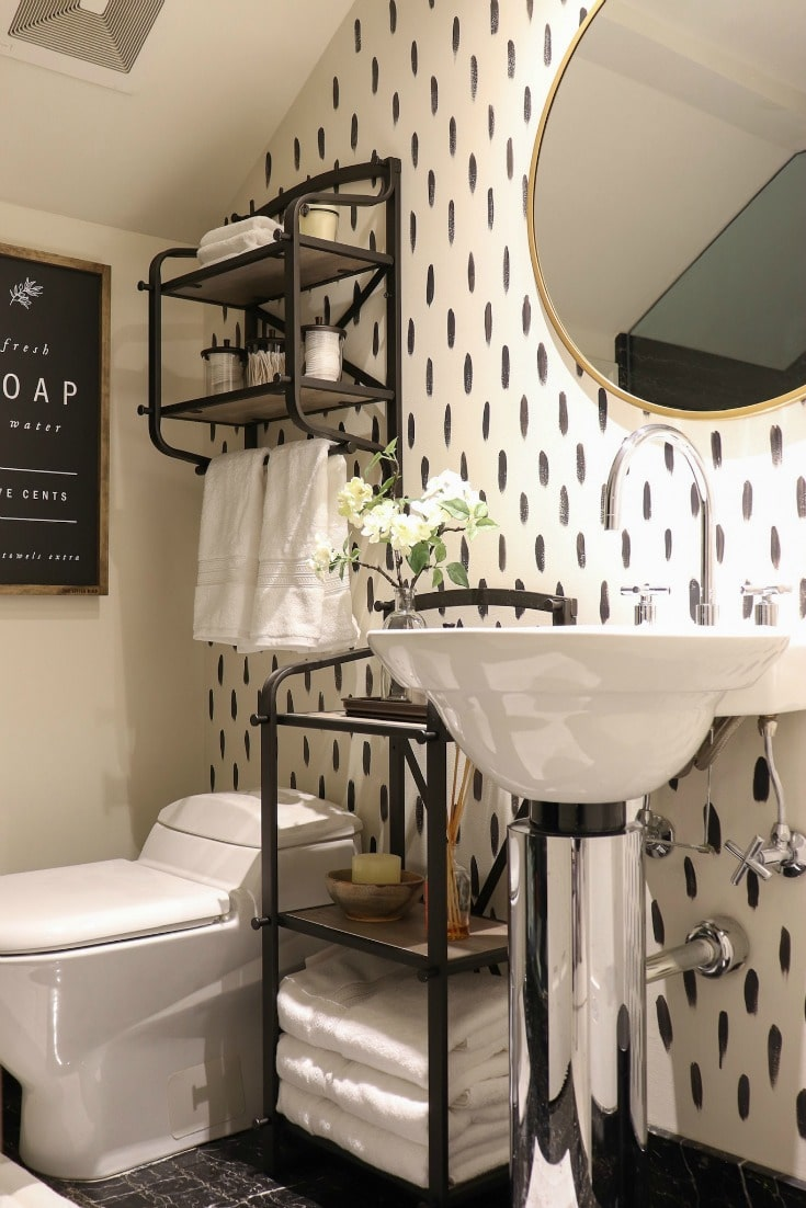 create a stunning bathroom space with budget-friendly decor and storage solutions