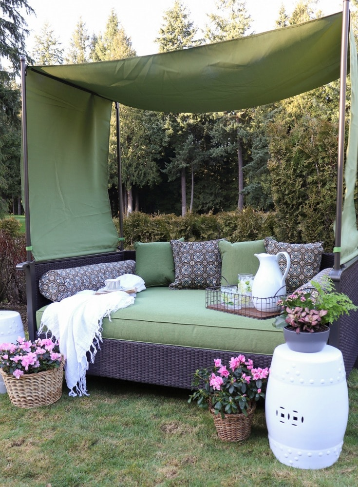 outdoordaybed is the perfect way to refresh any outdoor space