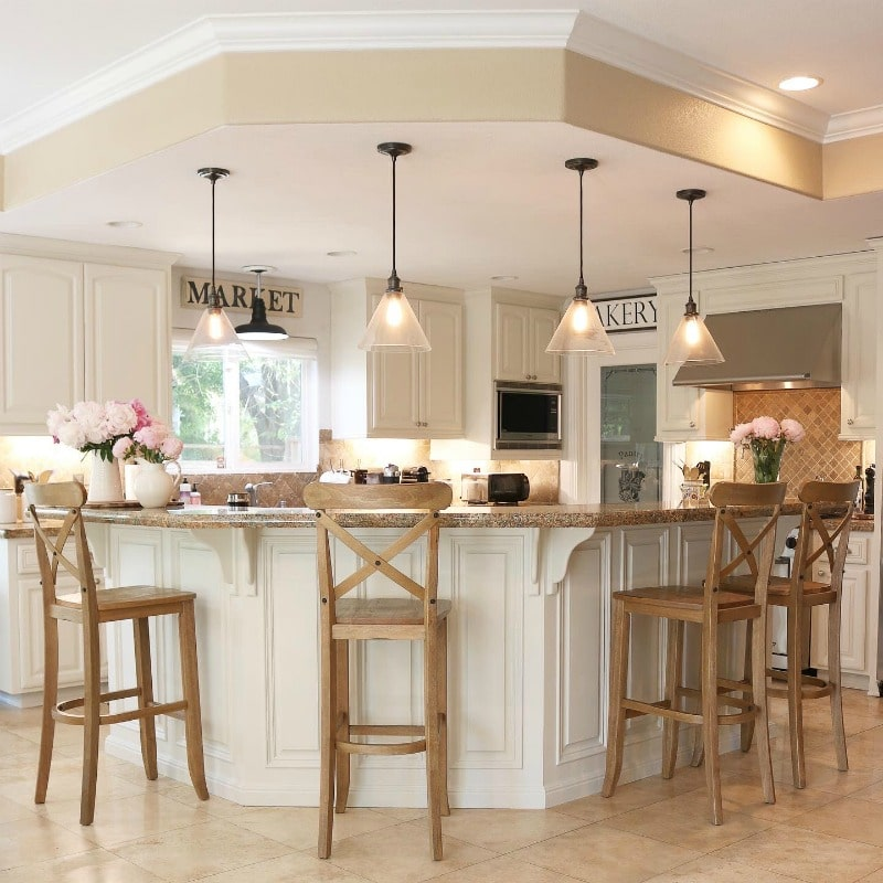 How to Choose the Best Way to Paint Kitchen Cabinets
