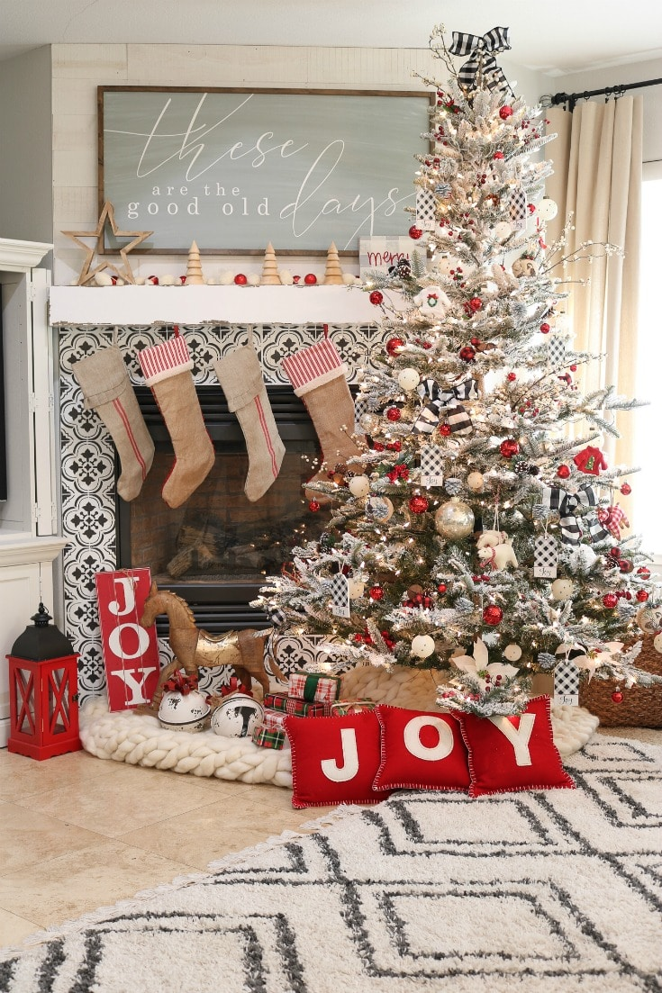 How To Choose The Best Artificial Christmas Tree The Design Twins