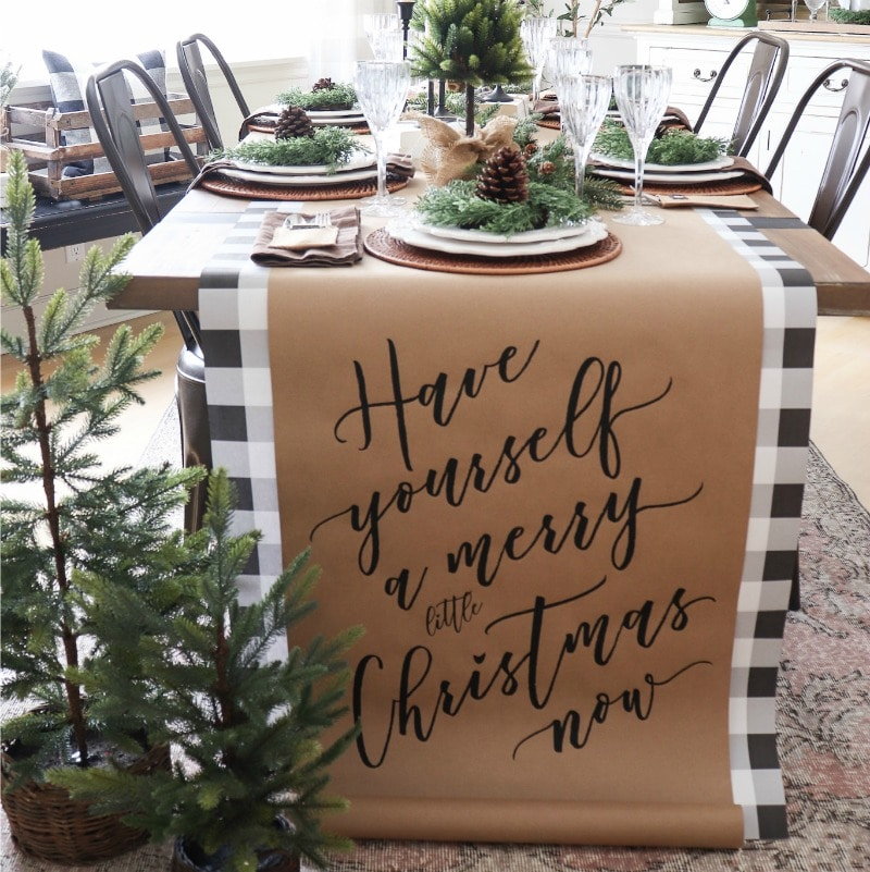 How to Create a Beautiful Natural Christmas Table