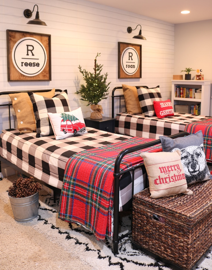 holiday kids bedroom with buffalo check bedding and blankets