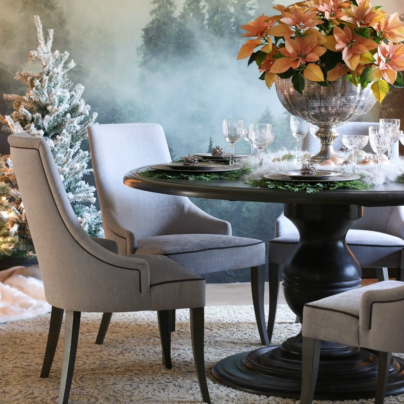 How to Easily Decorate an Elegant Dining Room